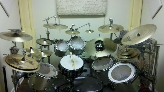 My custom drum set\m/(>_<)\m/